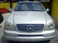 JEEPETA MERCEDES BENZ 99 GRIS FULL LEATHER 255000