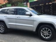 Jeep Grand Cherokee Laredo 2012 Plateada