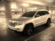 Jeep Grand cherokee 2011 con extras