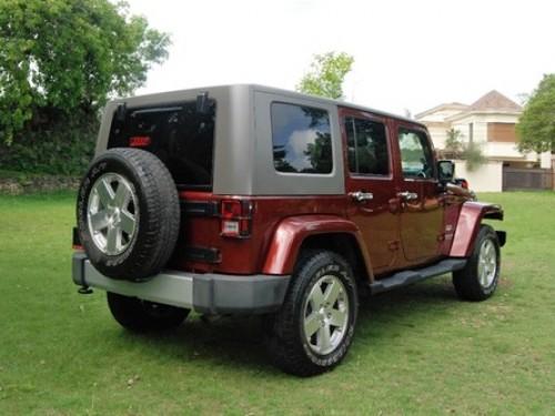 Jeep Wrangler Sahara Unlimite 2010