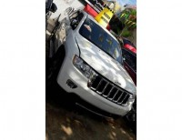 Jeep cherokee 2012 blanca
