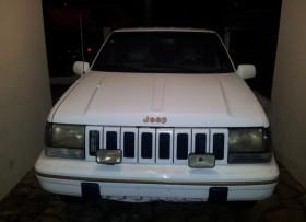 Jeep Cherokee 95 Exelentes condiciones Neg