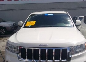 Jeep Cherokee Laredo 2012
