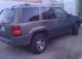 Jeep Grand Cherokee Laredo 97 Color verde