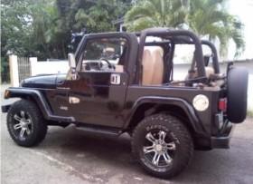 Jeep Wrangler 4 cilindros STD