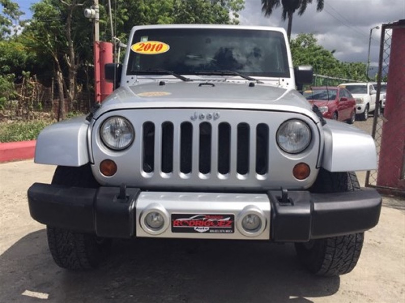 Jeep Wrangler Sahara Unlimited 2010