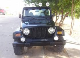 Jeep Wrangler Sport 40L 6 cilindros Estandar 4x4