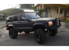Jeep cherokee se vende o cambio