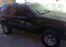 Jeep grand cherokee 1994 negra