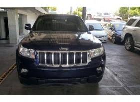 Jeep grand cherokee laredo 2013 4x4