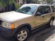 Jeepeta Ford Explorer 2005 gasgasolina 3 filas de asientos