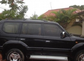 Jeepeta land cruiser Prado 2000