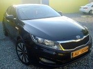 KIA K5  2012 negro impecable