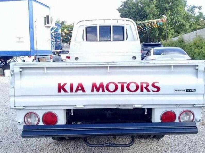 Kia Bongo II 2012 Blanco
