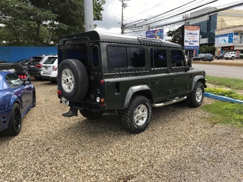 Land Rover Defender 2006