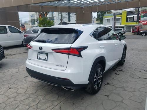 Lexus NX300 2019