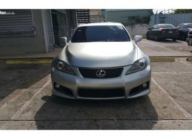 Lexus ISF gris