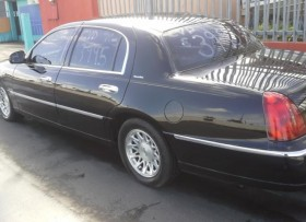 Lincoln Town Car 1998 Signature Series