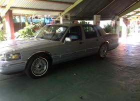 Lincoln town car 1995 como nuevo