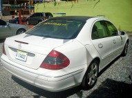 MERCEDES BENZ E320 BLANCO 2004 CON INTERIOR 2006