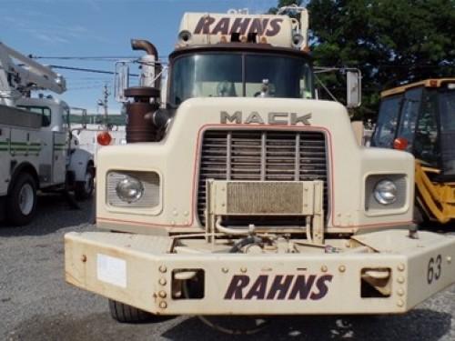 Mack RB 1990