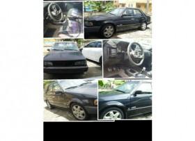 Mazda 323 Se vende o se cambia por Pickup