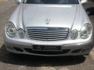 Mercedes Benz 2003 gris metalico