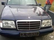 Mercedes benz 1988 azul marino
