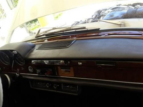 Mercedes-Benz E320 1971 en perfecta condiciones
