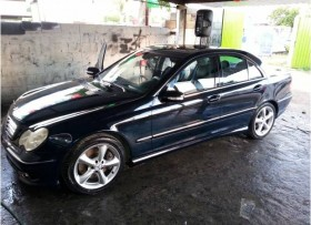 Mercedes Benz C230 modelo 2005 Sport Turbo