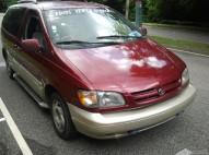 Mi Toyota Sienna 2000 Comoda Y Barata