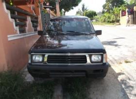 Misubishi L200 1996 negra