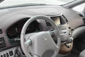 Mitsubishi Grandis  2006