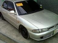 Mitsubishi Lancer 1995 gris
