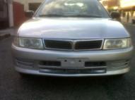 Mitsubishi Lancer 2001 gris plata