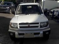 Mitsubishi Montero IO 2000