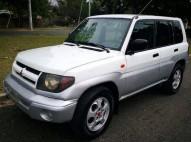 Mitsubishi Montero io 99