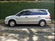 Mitsubishi Space Wagon 2002