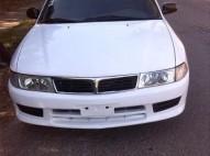 Mitsubishi lancer 2001