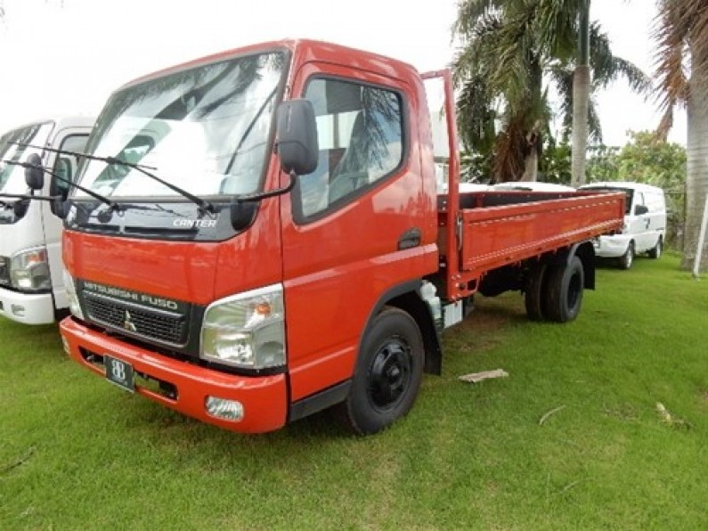 Mitsubishi Canter Chassis 14 pies 2017