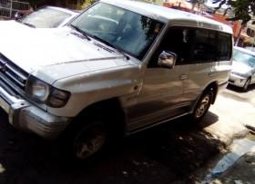 Mitsubishi Montero 99