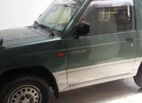 Mitsubishi pajero 2000 jr 4x4 en la lata