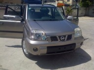 NISSAN XTRAIL GRIS OSCURO