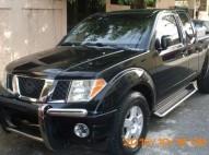 Nissan Frontier 2006 negra