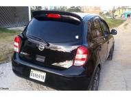 Nissan March 2012 Negra