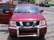 Nissan Pathfinder 2005 gas gasolina 4X4