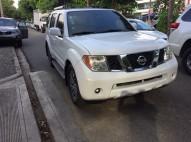 Nissan Pathfinder SE 2005
