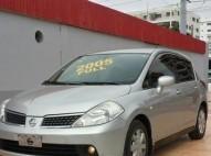 Nissan TIIDA Hatchback 2005