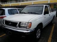 Nissan frontier 1999 cabina y media 4 cilindros