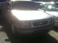 Nissan frontier 2001 gris
